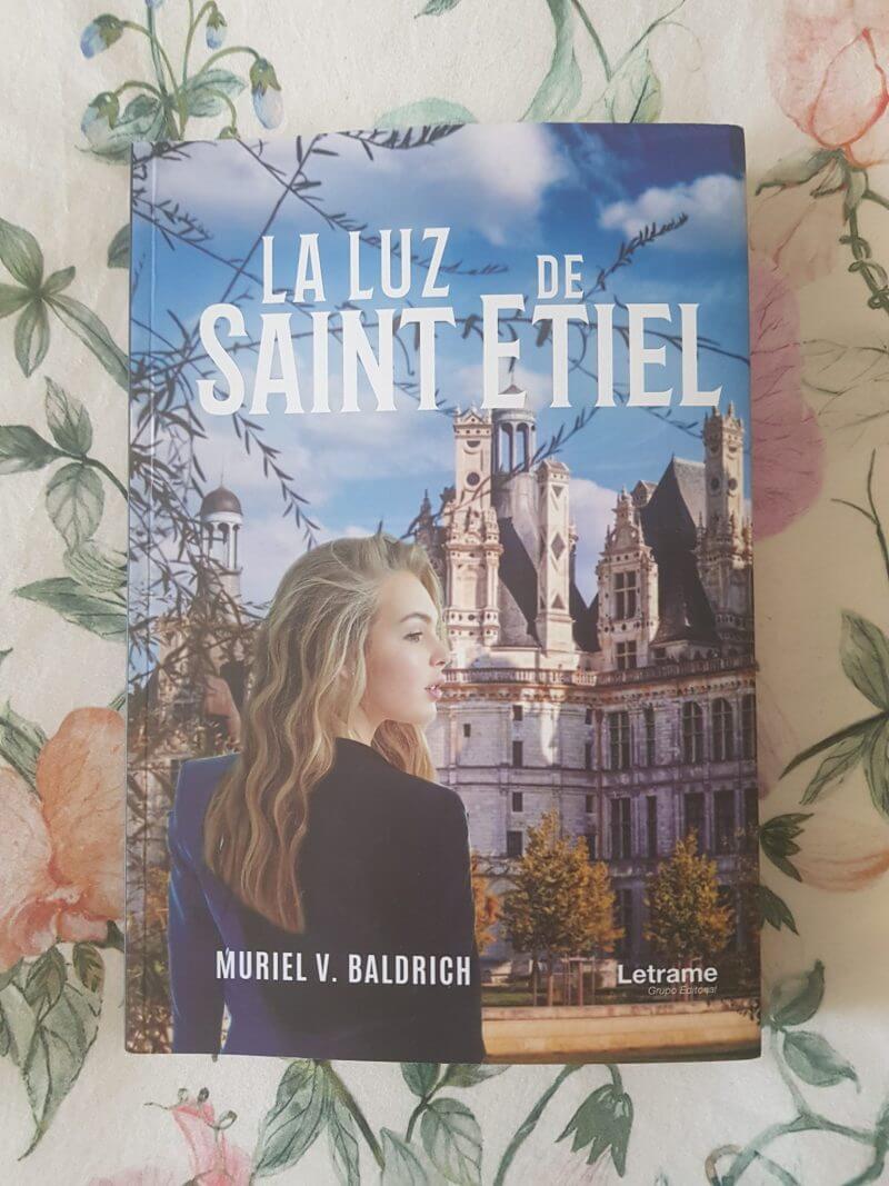 La luz de Saint Etiel – Muriel V. Baldrich